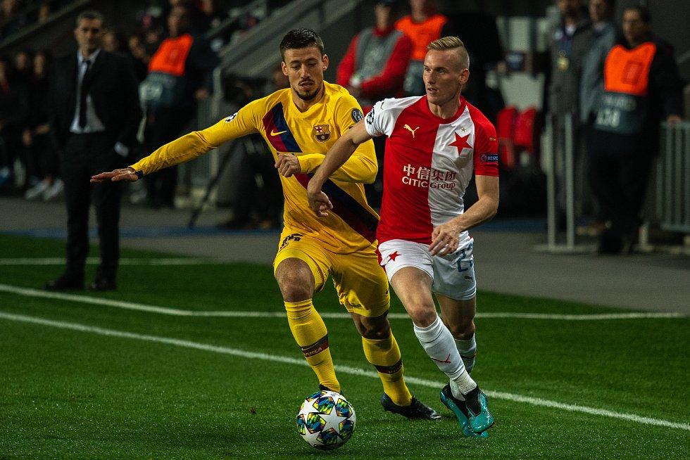 Fotbalový zápas skupiny F (liga mistrů), SK Slavia Praha - FC Barcelona, 23. října 2019 v Praze. Na snímku zleva Clément Lenglet, Petr Ševčík.