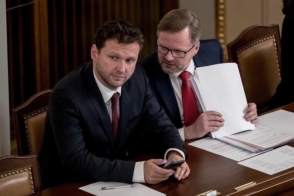Zasedání sněmovny 28. listopadu v Praze. Vondráček, Fiala