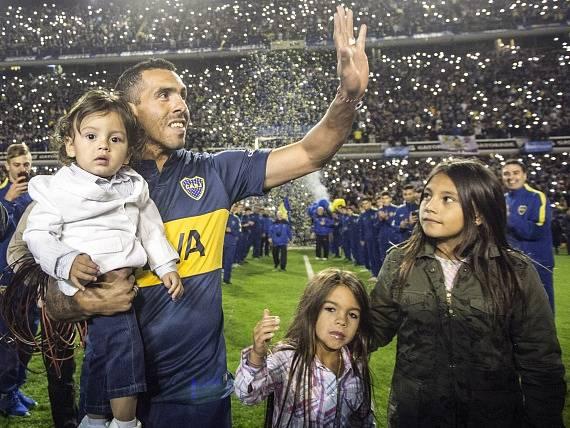 Carlos Tévez a přijetí v Argentině
