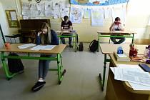 Na prvním stupni Waldorfské základní školy Olomouc vrcholily 22. května 2020 přípravy před opětovným spuštěním výuky 25. května