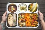 Jídlo ve veganském bistru Dhaba Beas