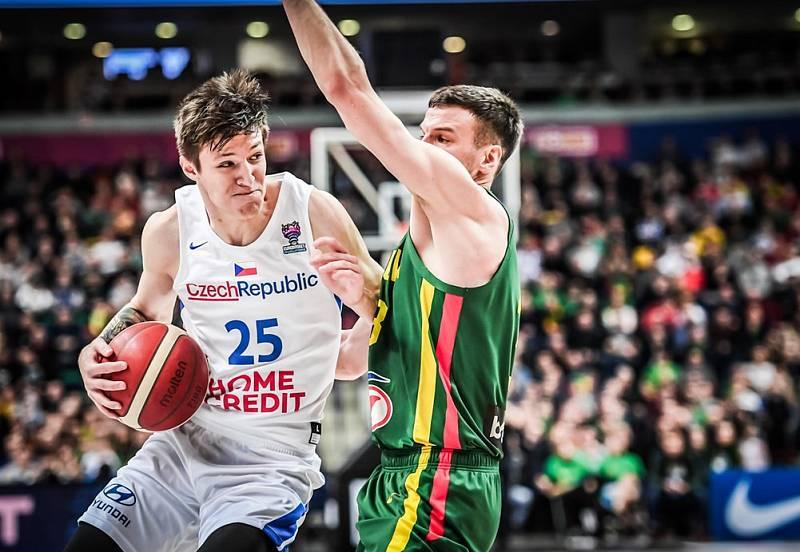 Vít Krejčí při zápase s Litvou