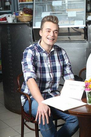 Vladimír Kadlec alias VladaVideos –  jeden znejvlivnějších mladých Čechů na sociálních sítích se 160tisíci fanoušky.