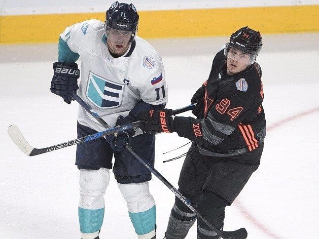Jednou zhvězd Týmu Evropy bude Slovinec Anže Kopitar (vlevo)