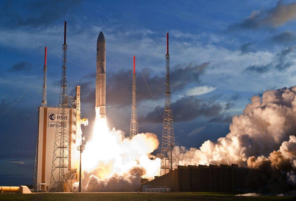 Evropská raketa Ariane 5 vynesla do kosmu nový evropský meteorologický satelit. Družice MSG-3 při přípravě předpovědí počasí nahradí dosluhující satelit Meteosat 8.