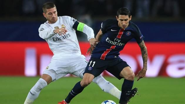 Sergio Ramos z Realu Madrid (vlevo) a Ángel Di María z Paris St. Germain.