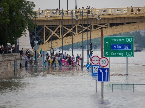 Rozvodněný Dunaj v Budapešti