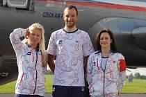 Skokanka na trampolíně Zita Frydrychová, cyklista Jan Bárta a gymnastka Kristýna Pálešová (zleva) před odletem na olympijské hry do Londýna..