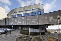V bývalé budově České konsolidační agentury a později ministerstva financí v Janovského ulici 438/2 v Praze 7 bude sídlit administrativní část evropského navigačního systému Galileo.