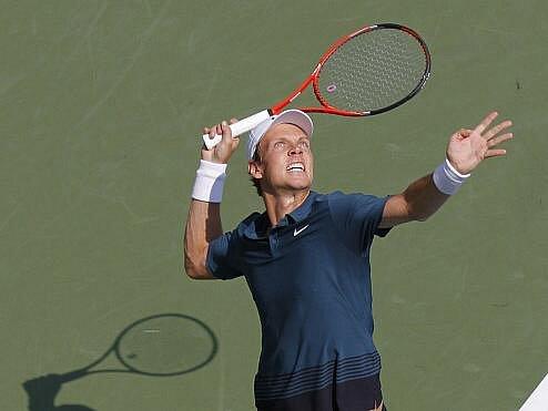 Sedmý nasazený Tomáš Berdych vypadl na US Open hned v prvním kole s Francouzem Llodrou.