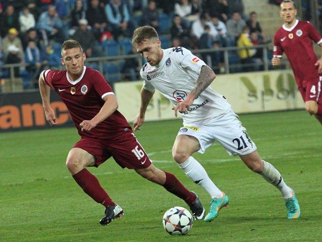 Pavel Kadeřábek ze Sparty (vlevo) a Milan Kerbr ze Slovácka.