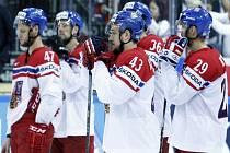 Zklamaní čeští hokejisté po prohrané bitvě o bronz s USA.