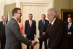 Předseda Českého statistického úřadu Marek Rojíček (vlevo) a prezident Miloš Zeman.