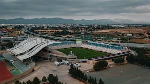 Nejmodernější stadion na Kypru - tady hrají kluby z Nikósie (APOEL i Omonia)