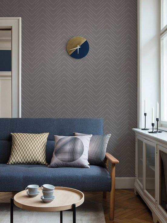 Vsadíte-li na ornamenty na tapetách či polštářích, pak by měly být například květinové, avšak stylizované do geometrických křivek a jednoduchých obrazců.