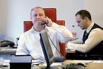 Firma BH Securities, která patří k největším českým obchodníkům s cennými papíry, dostala za porušování zákona v letech 2009 až 2012 od České národní banky pokutu 10 milionů korun.  Ilustrační foto.
