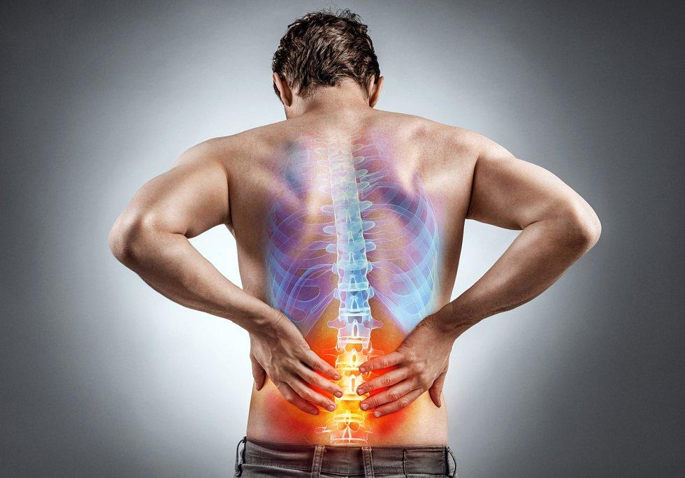 Osteoporóza hrozí i lidem s nízkou tělesnou hmotností, kuřákům, lidem, kteří nadměrně pijí alkohol či užívají určité léky