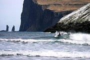 Faerské ostrovy jsou také cílem mnoha surfařů