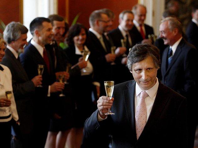 Prezident Václav Klaus jmenoval na Pražském hradě novou vládu premiéra Jana Fischera (na snímku).