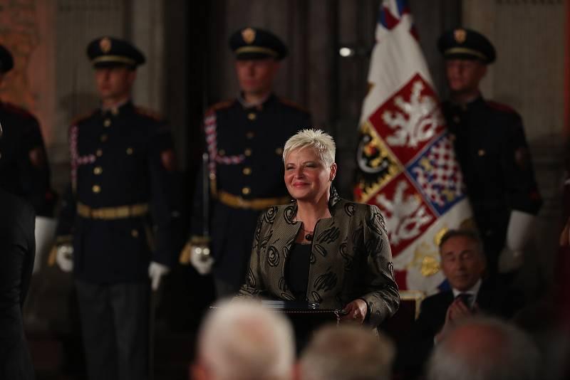 Předávání státních vyznamenání 28. října na Pražském hradě. Hana Moučková.