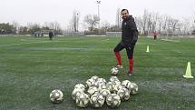 Amatérští fotbalisté už spolu trénovat nemohou