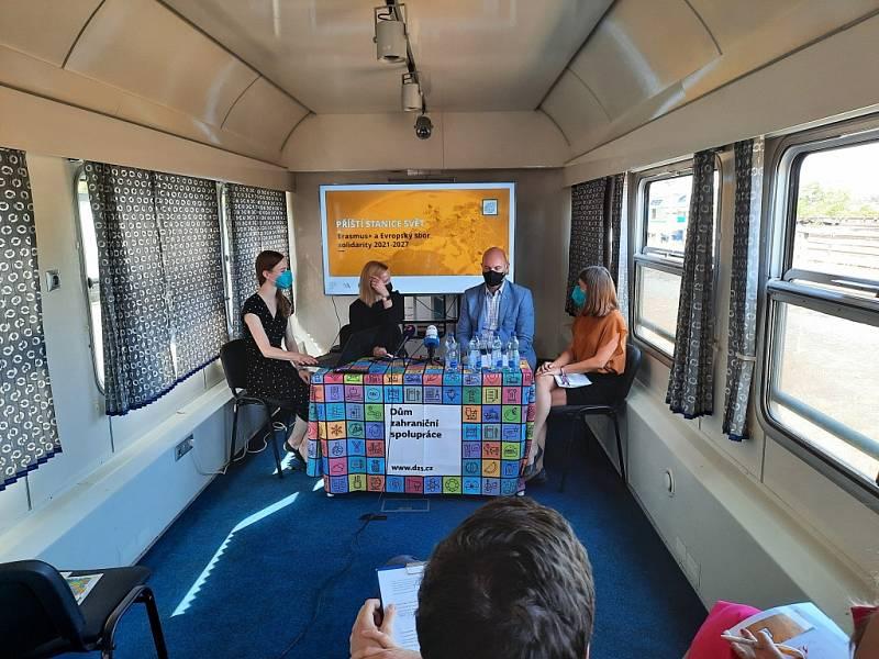 putovní festival mezinárodního vzdělávání s názvem Příští stanice svět
