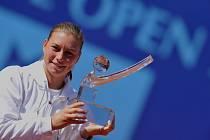 Vera Zvonarevová získala v Praze svůj šestý titul na okruhu WTA v kariéře.