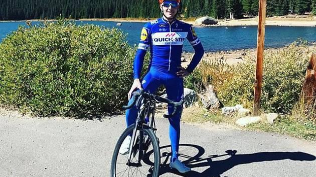 Cyklista Petr Vakoč.