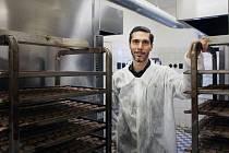 Jan Zeman v Biopekárně Zemanka