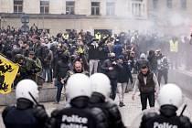 Lidé protestovali v Bruseli proti přijetí migračního paktu OSN.