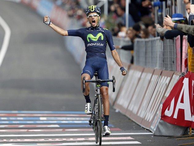 Benat Intxausti kraloval horské osmé etapě Gira d'Italia.