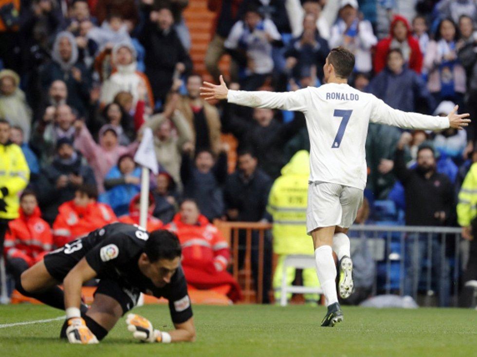 Cristiano Ronaldo zařídil výhru Realu Madrid nad Gijónem.