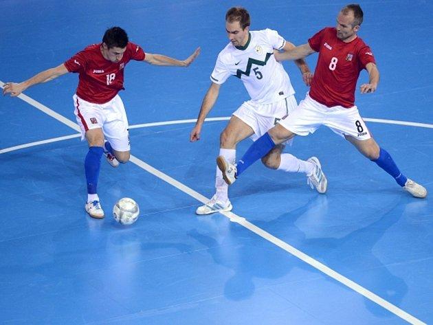 Čeští futsalisté Michal Belej (vlevo) a Marek Kopecký.