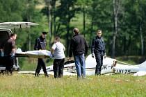 Za obcí Kondrač u Trhových Svinů na Českobudějovicku spadlo 26. června ráno malé sportovní letadlo. Nehodu nepřežili dva muži.