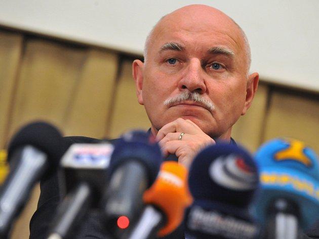Ať už volby dopadnou jakkoliv, dosavadní předseda ČMFS Pavel Mokrý ve své funkci končí,