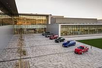 Slovenský Jaguar Land Rover otevřel novou výrobu v Nitře.