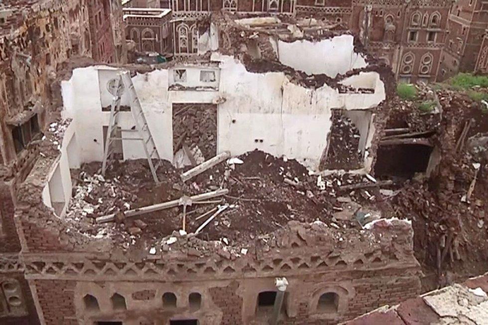 Základy budov už byly oslabeny dlouhodobým bombardováním během jemenské války