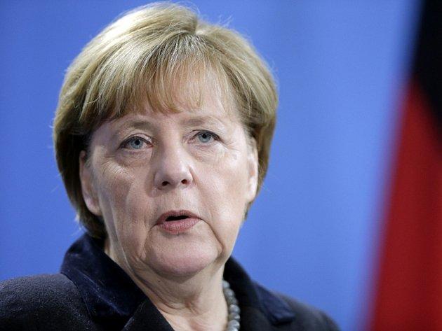 """V členské základně německé Křesťanskodemokratické unie (CDU) kancléřky Angely Merkelové poklesla po silvestrovských sexuálních útocích proti ženám připisovaných imigrantům nálada """"pod bod mrazu""""."""