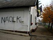 Příslušníci maďarského Národního strážního vojska zadržení na Slovensku zachycuje fotografie deníku Sme.