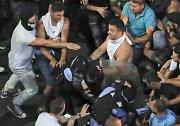 Rumunské protesty proti vládě vyústily v násilné střety