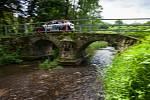 Rally Bohemia, pátý závod seriálu Mistrovství České republiky v rally, pokračovala 2. července. Na snímku Jan Sýkora a spolujezdec Štěpán Palivec s vozem Škoda Fabia R5 na deváté rychlostní zkoušce - Radostín.