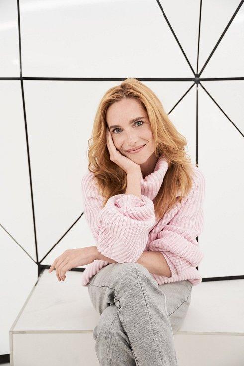 Na to, kolik je v Česku talentovaných a skvělých umělců, se strašně málo navzájem podporujeme, říká Hana Vagnerová.