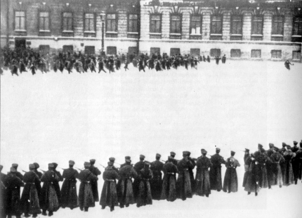 Filmová rekonstrukce Krvavé neděle v Petrohradu roku 1905