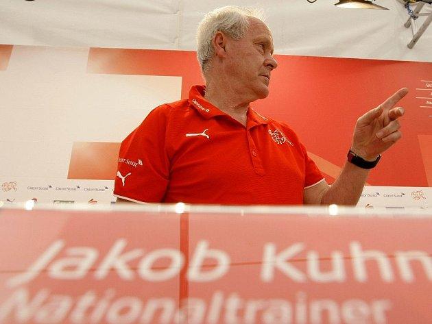 Švýcarský národní kouč Jakob Kuhn.