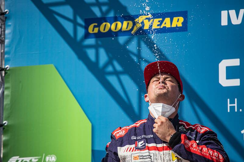 Adam Lacko (č. 55) z Buggyry vyhrál závod ME v Zolderu.