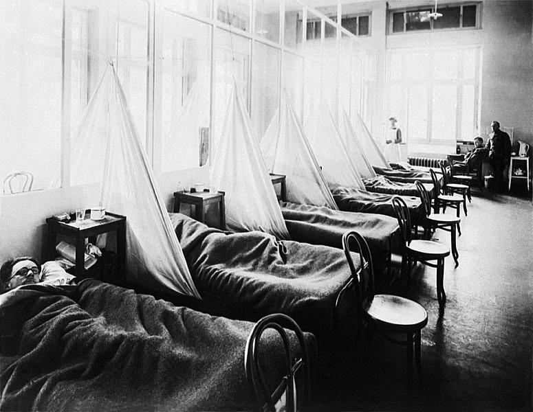 Pacienti  se španělskou chřipkou v americké vojenské nemocnici v Aix-Les-Bains ve Francii