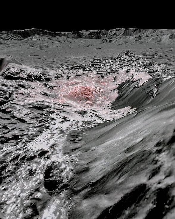 Zvýraznění světlých oblastí kráteru Occator na trpasličí planetě Ceres