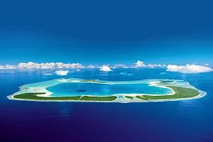 Tetiaroa - malebné pobřeží lemují bělostné pláže s palmovými háji.