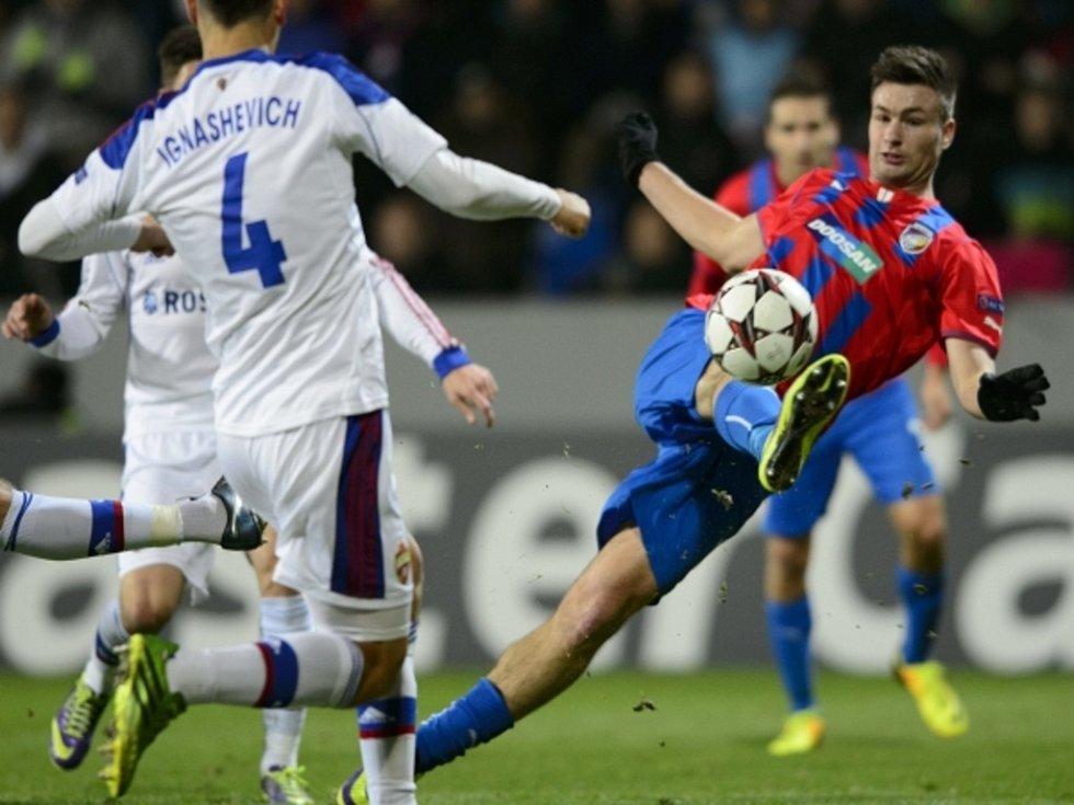 Tomáš Wágner (v dresu Plzně střílí proti CSKA Moskva vítězný gól, který jeho týmu zaručil jarní účast v Evropské lize).