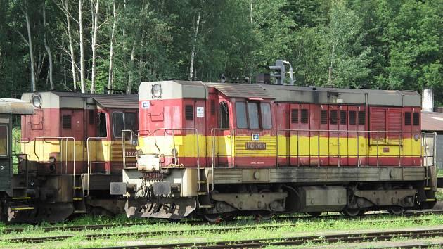 Jeden z klasických nátěrů řady 742 s výstražným žlutým pruhem